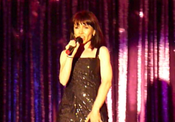 Virginia muzik singing onstage